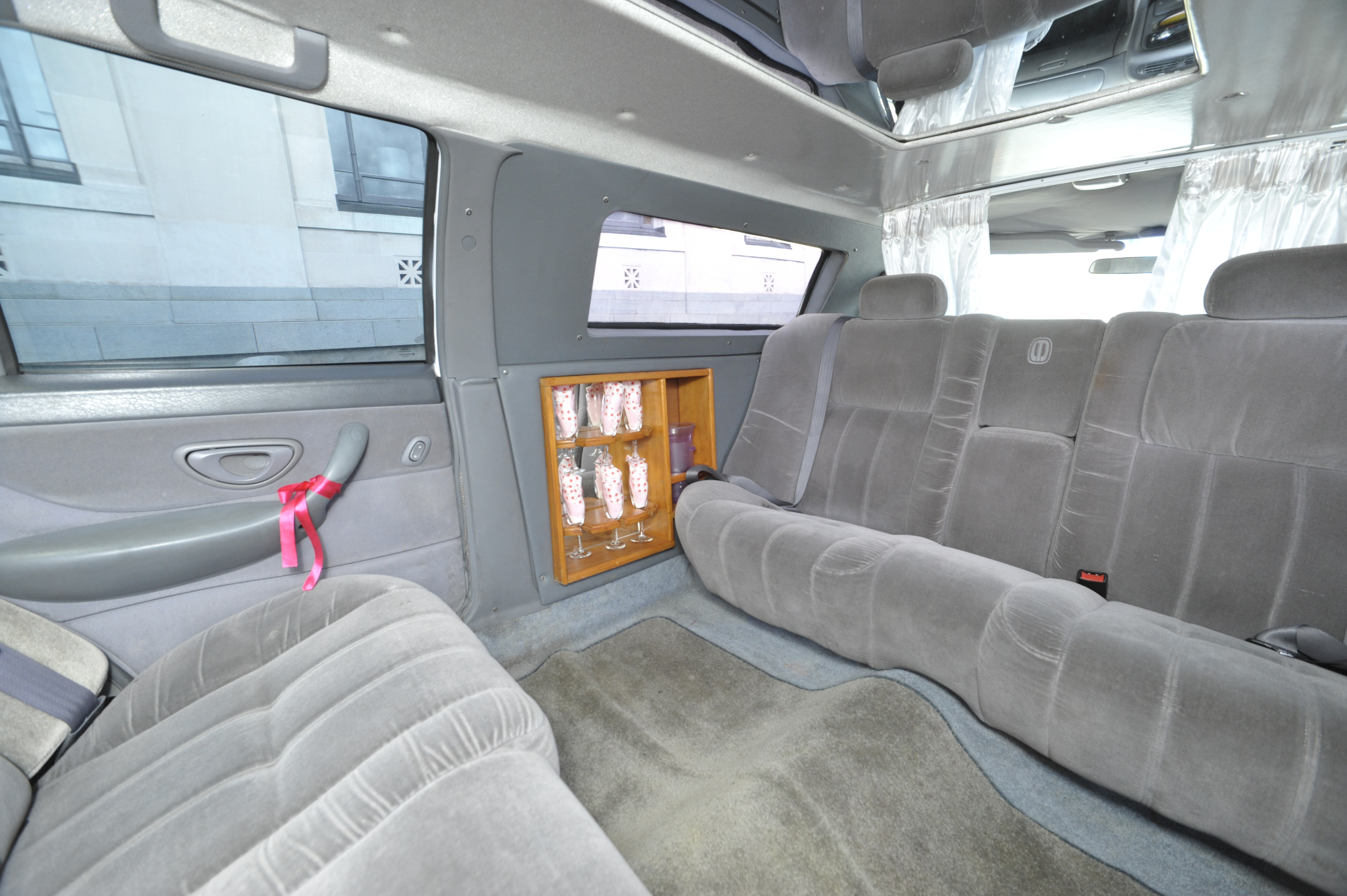 6 Seater Ford Limousine